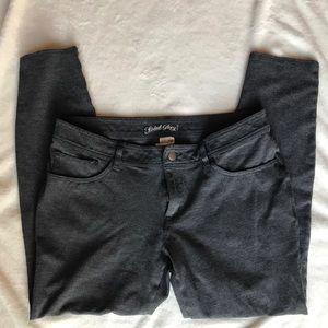 Grey stretch pant —skinny leg